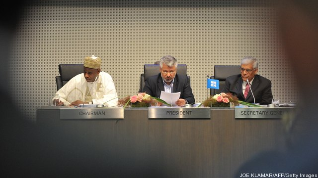 (L-R) Nigeria's head of delgation and OP