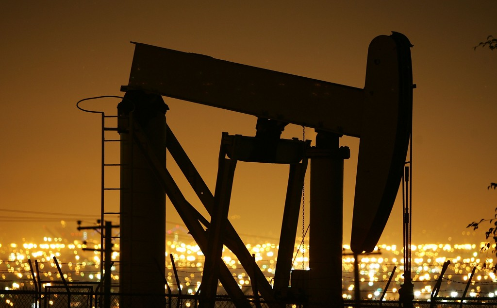 Oil Prices Hit Historic High On Weak Dollar