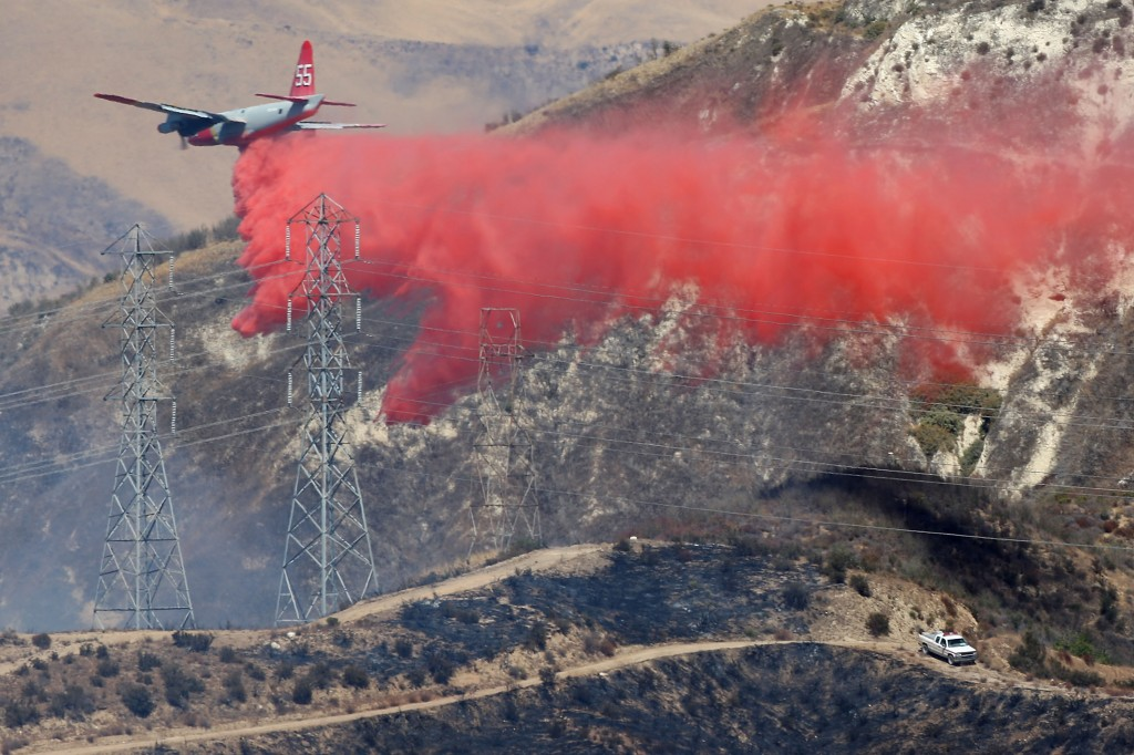 Santa Ana Winds And Hot Conditions Stoke Wildfire In Ventura County