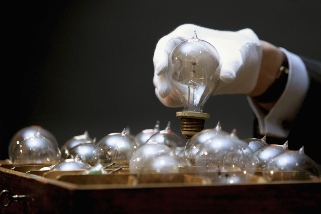 Edison Lightbulbs To Be Auctioned At Chrisites