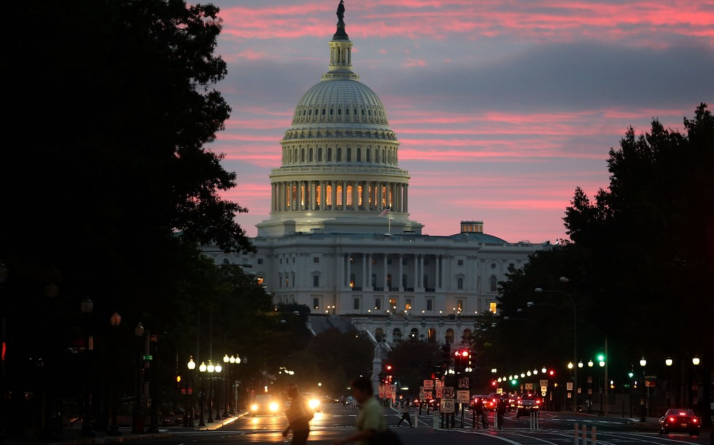 Washington Landmarks Begin To Re-Open As Government Shutdown Ends