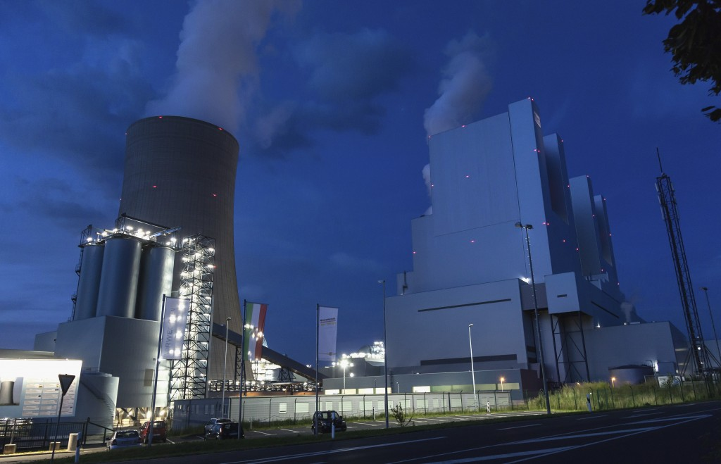 Europe's Biggest Coal-Burning Power Plant Begins Operation