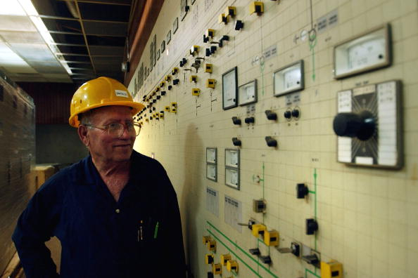 Work Progresses On Iraqi Electrical Grid One Year After War