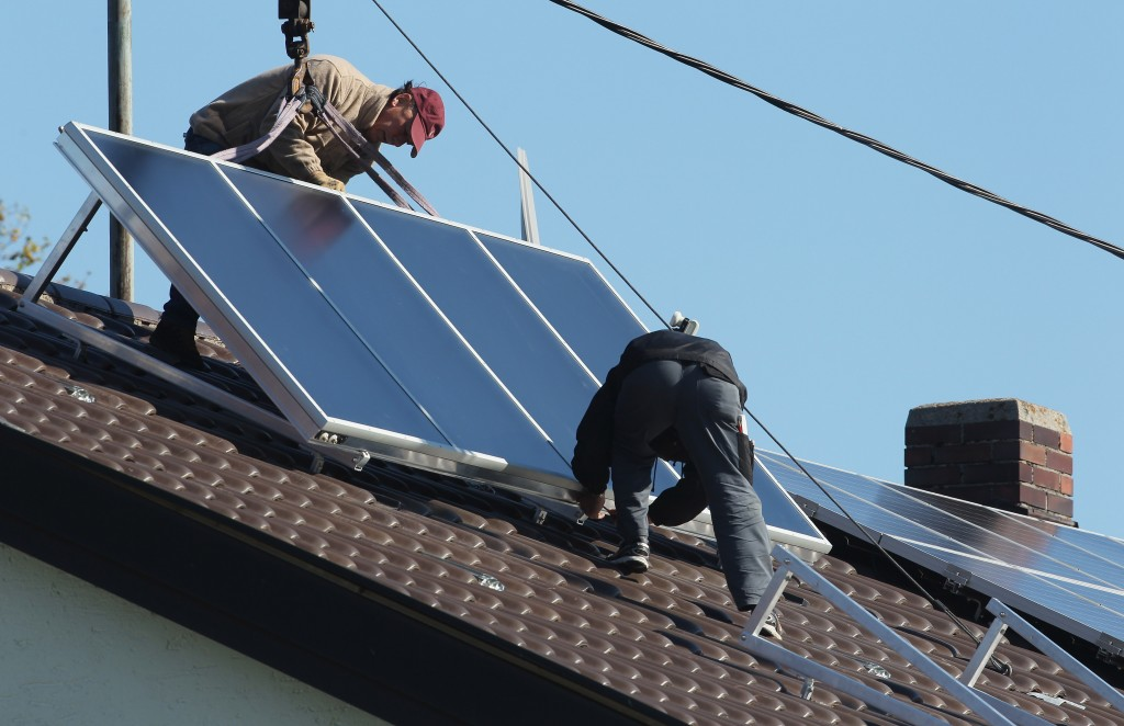 Solar Energy Remains Popular For Private Homeowners