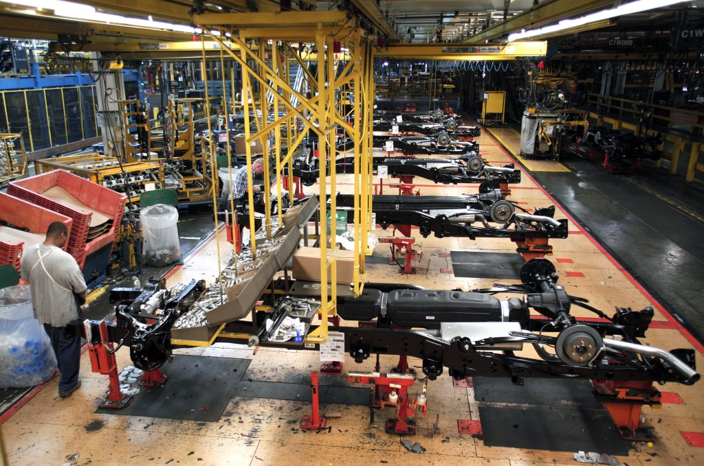 Ford Dearborn Truck Plant Builds New 2014 F-150 Trucks