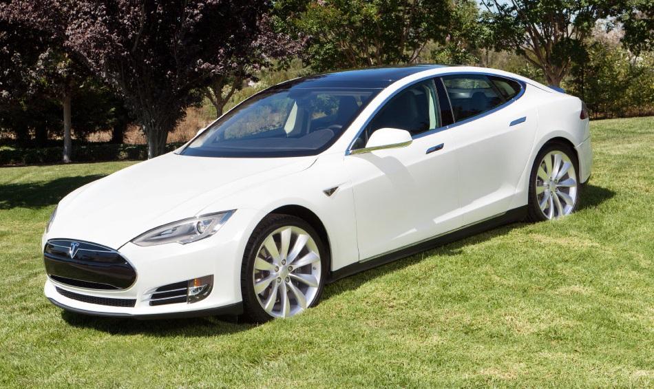 Tesla-Model-S_PearlWhite