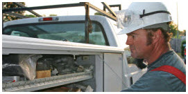 electrical__utility_worker_at_truck_265b_1