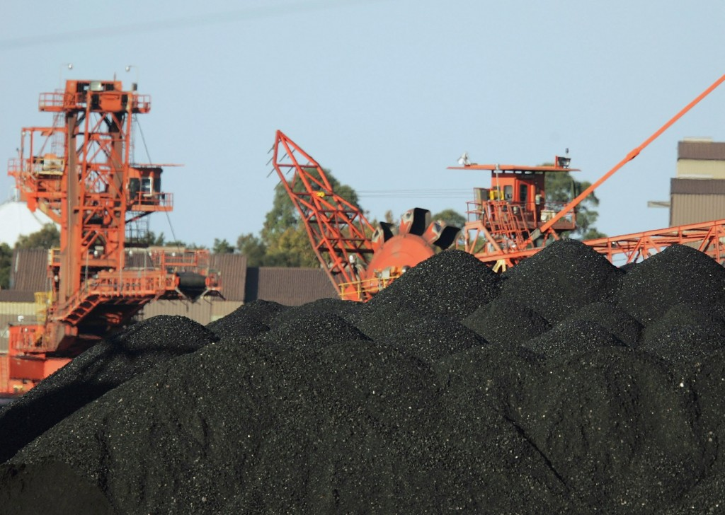 Strong Exports Force Coal Ships Bottleneck
