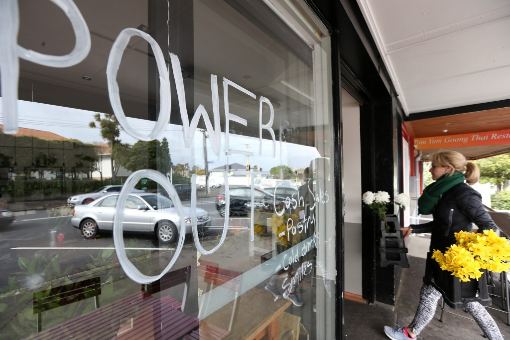 Power Outages Auckland Leave Thousands Without Power