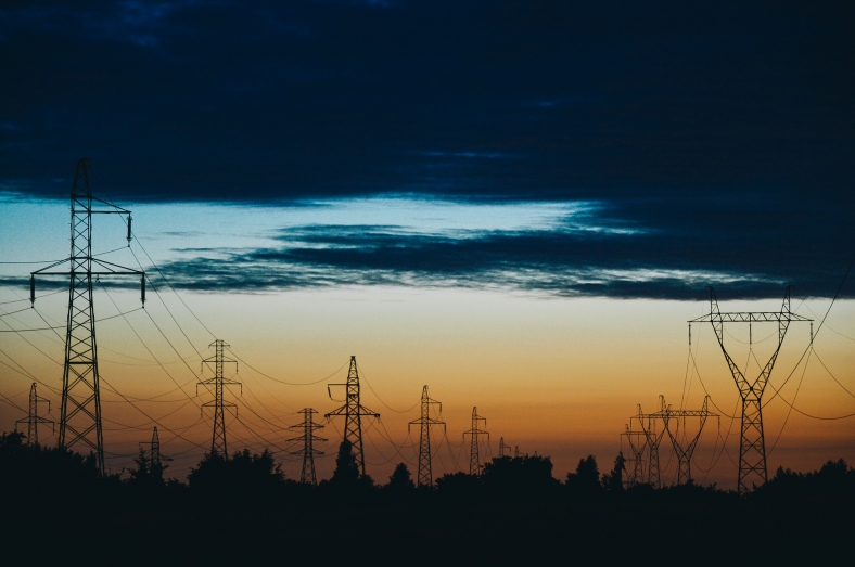 power-lines-823622_1920